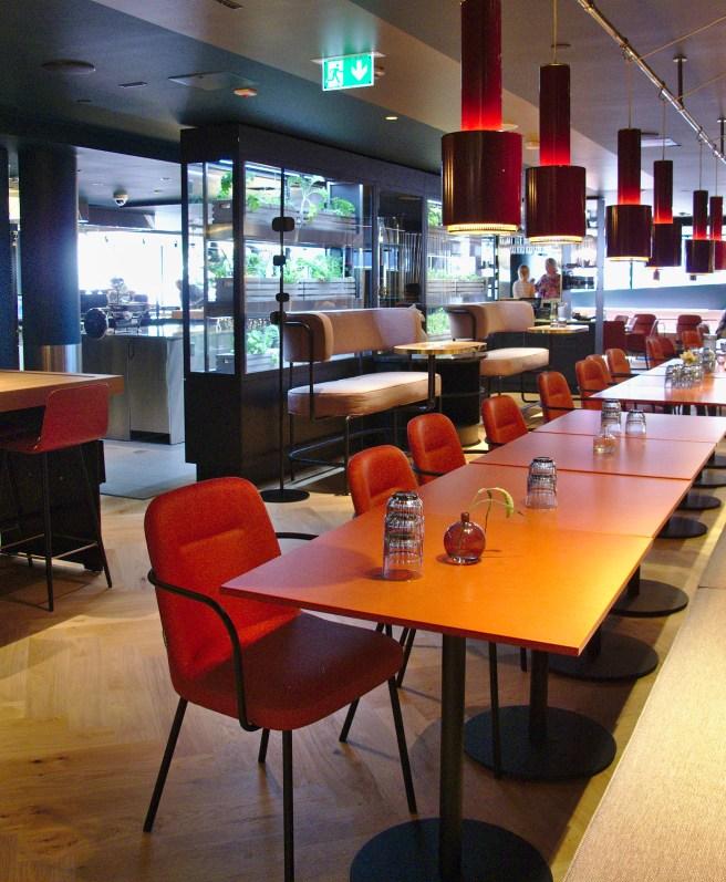 Kuusi Palaa -ravintola hotelli Marskissa.