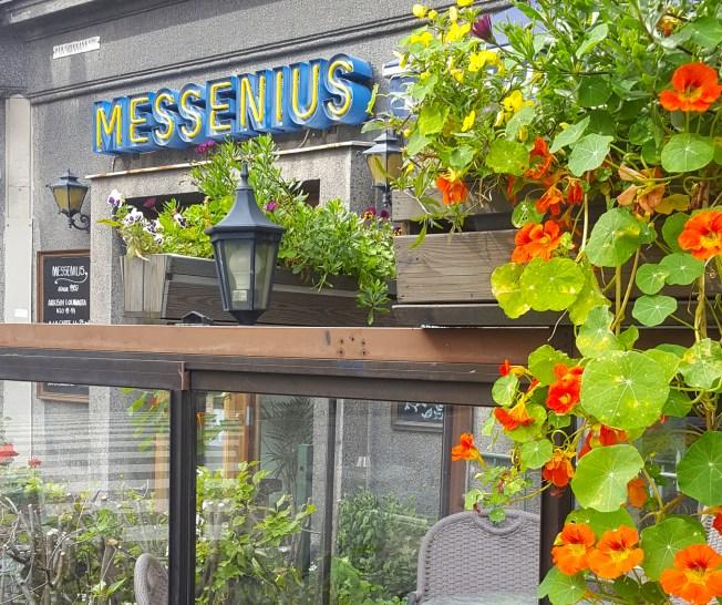 Ravintola Messenius sijaitsee Messeniuksenkadulla Töölössä.