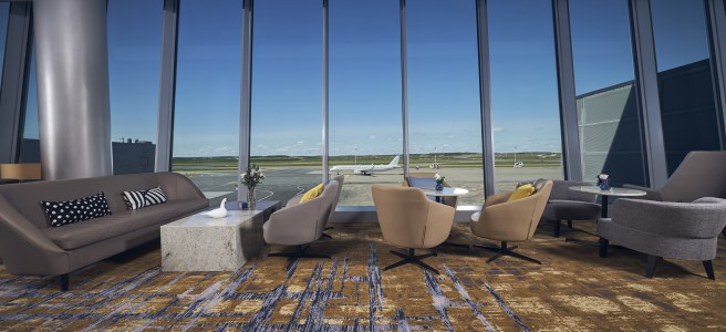Plaza Premium Lounge Helsinki. An open view to the apron. Photo: Plaza Premium Group.
