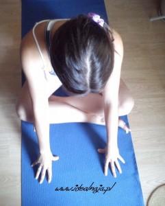 rozciąganie mięśni pupy
