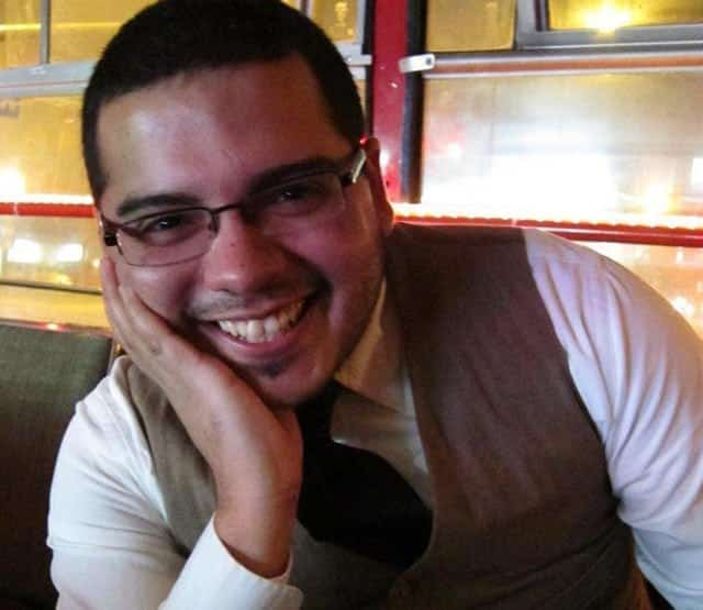 Ollin Morales - Writer and Problogger