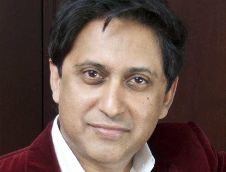 Dr-Srini-Pillay