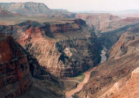 世上最具特色的八大裂谷奇觀排行榜