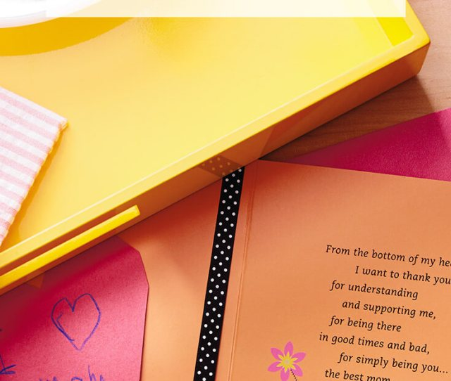 Mothers Day Messages What To Write In A Mothers Day Card Hallmark Ideas Inspiration