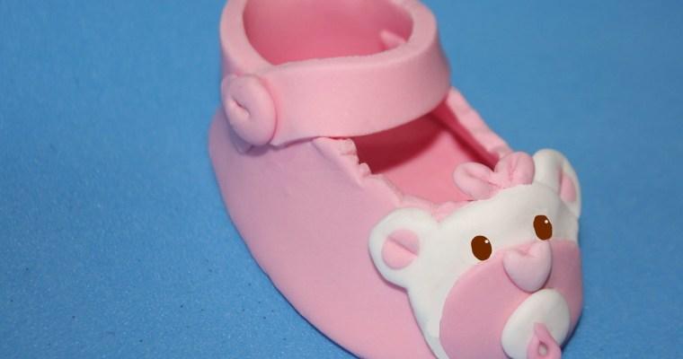 Zapato de bebé realizado en fondant