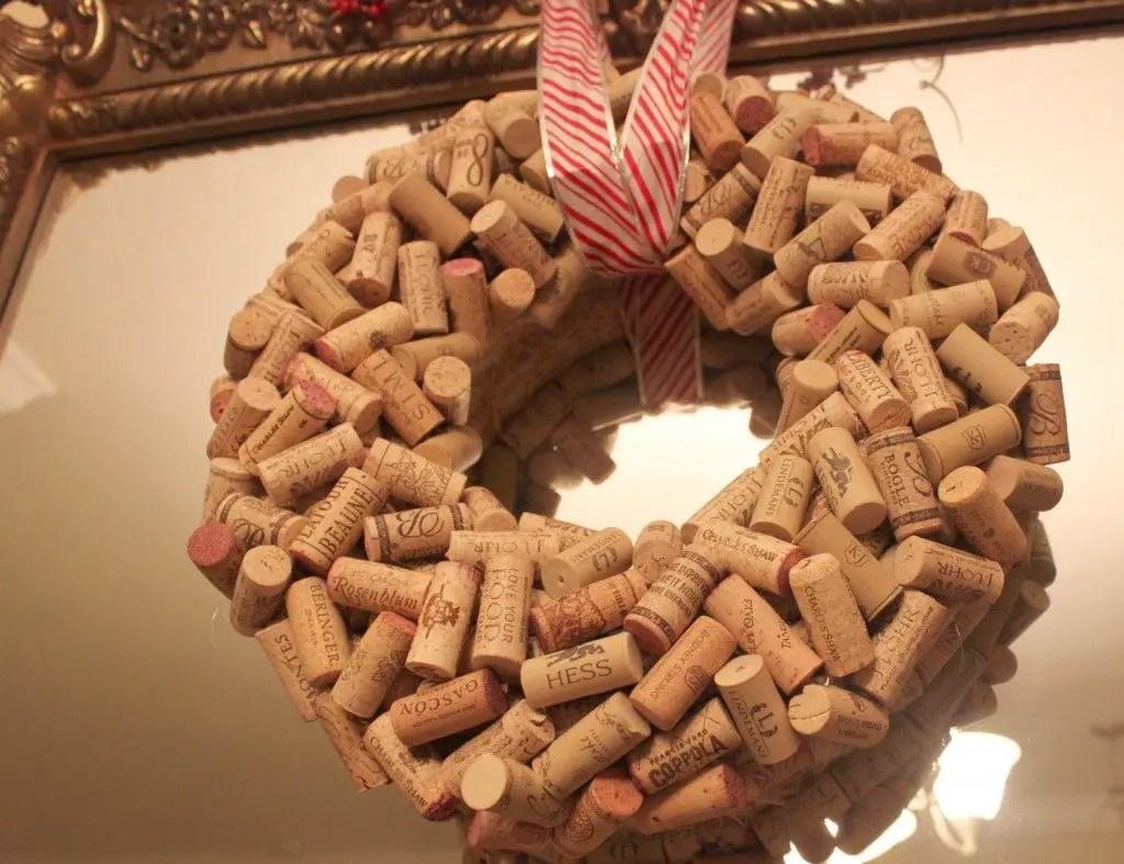 18 DIY Ideas To Make Wine Cork Wreaths