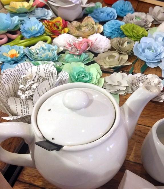 Teapotand flowers
