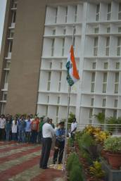 Ind Day_Flag hoisting