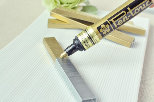 TandT_DIY_Gold_Staples_3-500x332