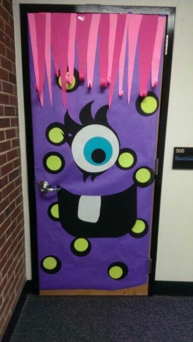 Halloween decoración puertas moustruo