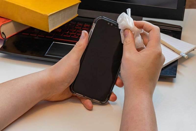coronavirus-Abstand-Smartphone