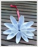 Fleur en papier blanche