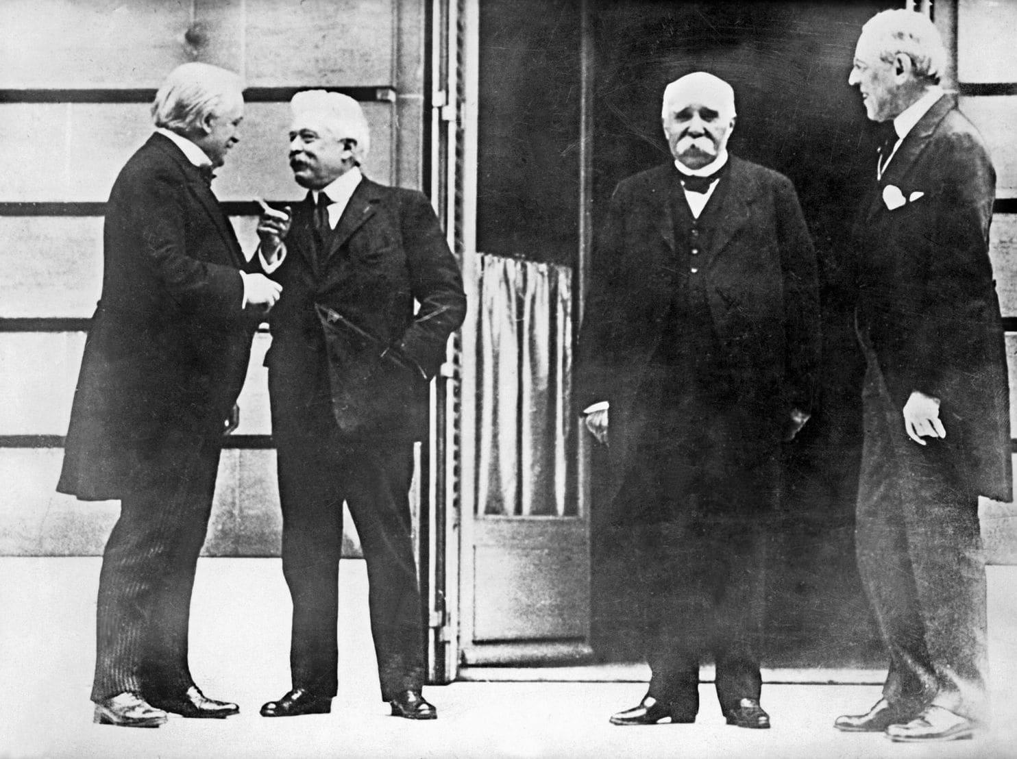 Tratado de Versalhes e a Liga das Nações