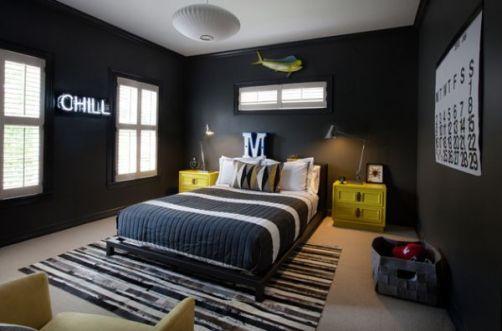 black dormitor