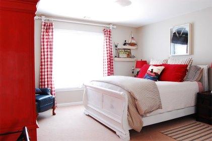 dormitor alb rosu