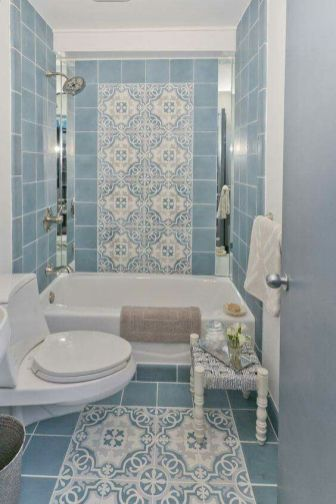 baie albastru cu alb de apartament
