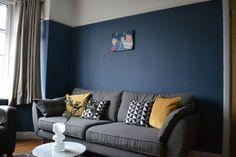 living albastru apartament