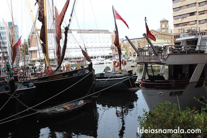 Barcos em St Katherine Docks