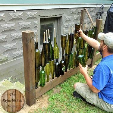 Cum sa faci singur un gard din sticle goale de vin