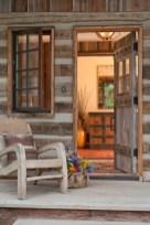 Interioare de vis din cabane rustice de lemn 28