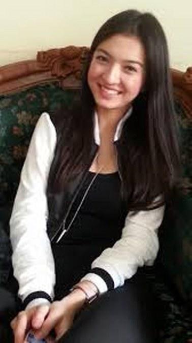 24 Busana Casual Raline Shah (20)