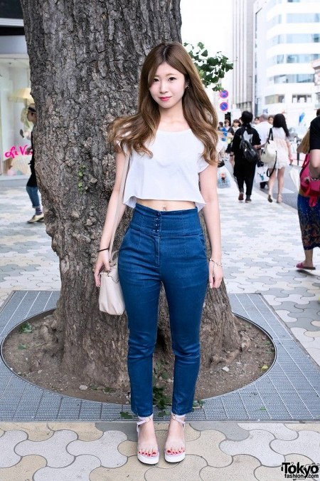 high waist jeans dengan cropped top