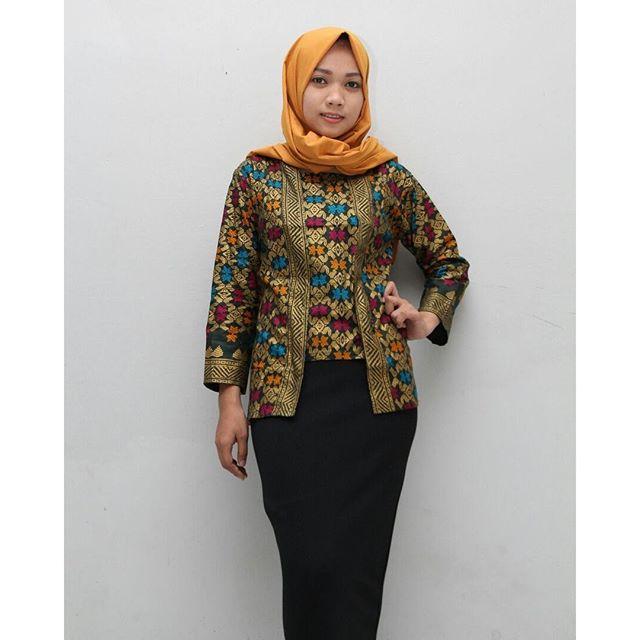 Model Baju Batik Kerja Atasan Muslim: Cek 7 Inspirasi Model Baju Kerja Wanita Muslimah Ini Biar