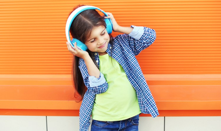 Children's Headphones May Carry Risk of Hearing Loss