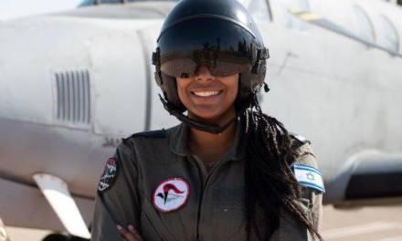 Une pilote de l'armée de l'air israélienne reflète la force et la diversité de l'État juif