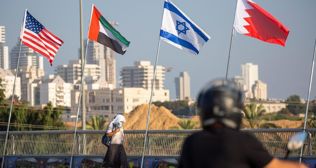 Décalage tectonique : Israël forge des liens officiels avec les EAU et le Bahreïn