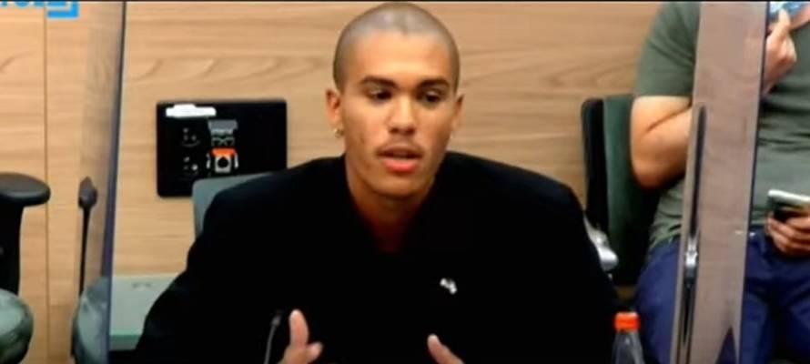 REGARDEZ : Un étudiant juif noir témoigne avec éloquence de l'antisémitisme sur les campus