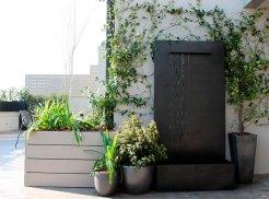 fuente-en-terraza-900843-83357