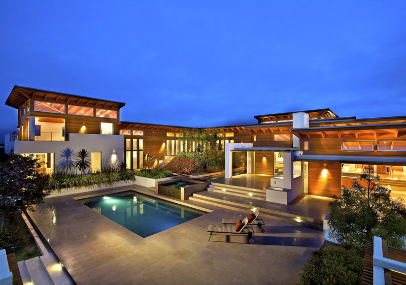 Timeless Architectural Estate In Rancho Santa Fe