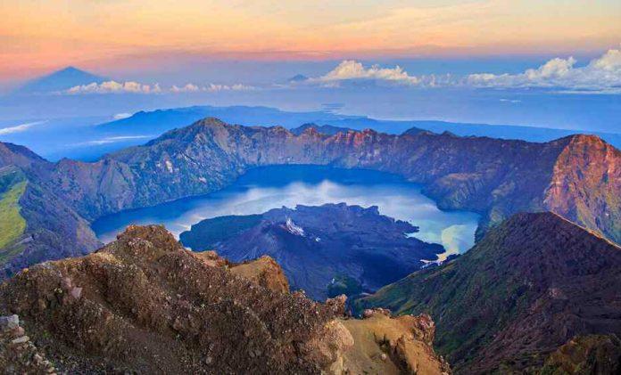 Mount Rinjani Segara Anak Lake Summit Itinerary Idetrips