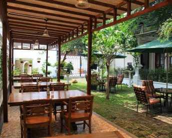 7 Tips Sukses Bisnis Mini Cafe, Modal Kecil Untung Jutaan & Menjanjikan