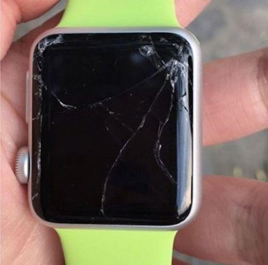 Apple Watch Sport Rawan pecah?
