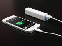 Unauthorized Third-Party Chargers May Damage iPhone 5 Charging Circuitry