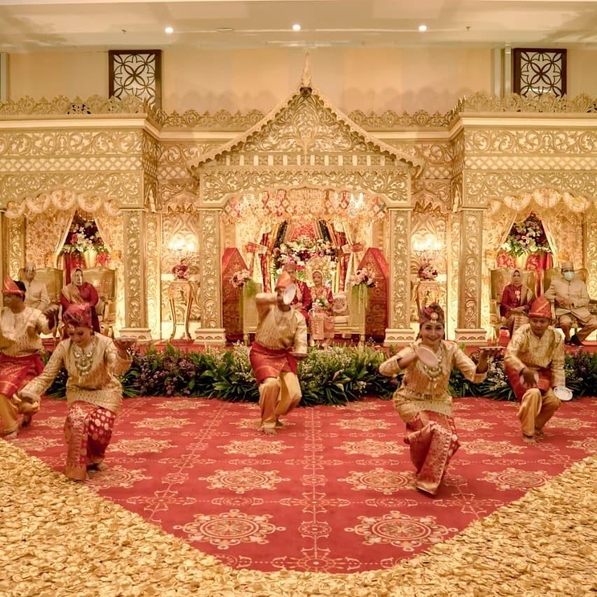 Dekorasi Pelaminan Rumah Gadang, Minangkabau