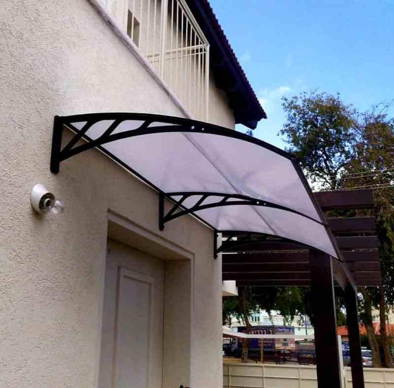 פתרון עבור כניסת מים מהדלת מעולם לא היה פשוט וזול יותר ! עם גגון למרפסת של ID garden