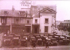 Picton House 1935, Dillwyn St behind, today the Potters Wheel Pub is on the site