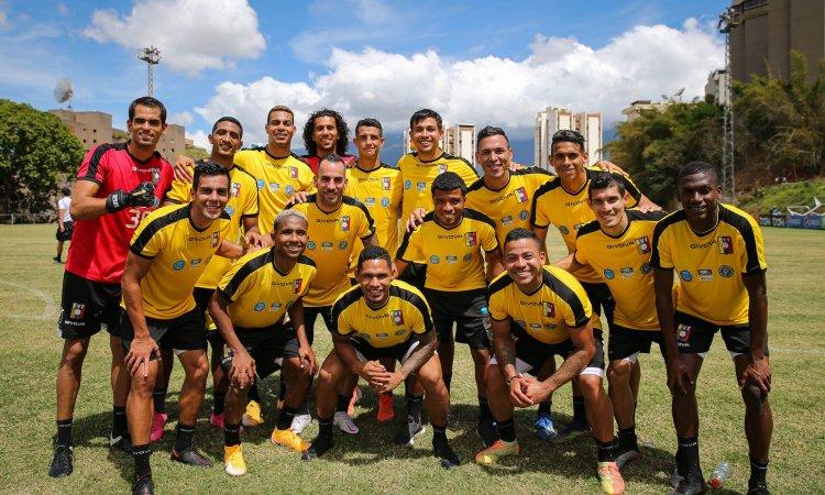 El módulo vinotinto reunió a 42 jugadores del fútbol local.