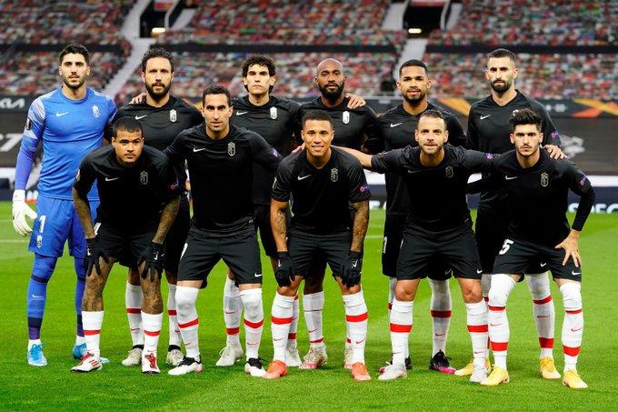 Yangel Herrera y Darwin Machís jugaron todo el partido con Granada ante Manchester United