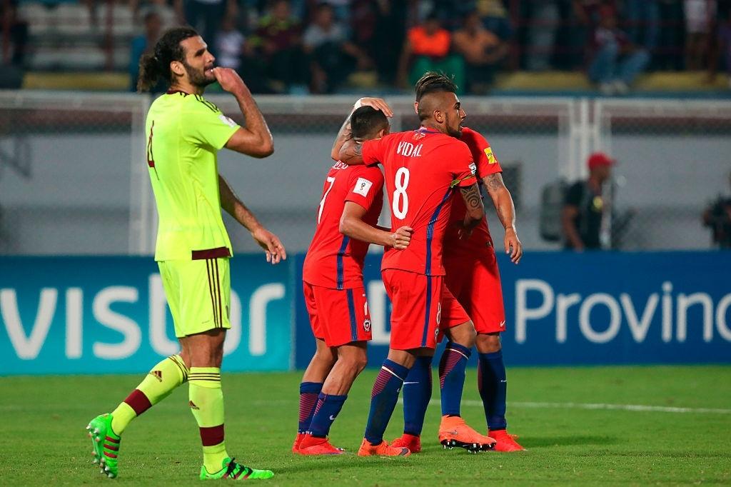 Oswaldo Vizcarrondo en el Venezuela vs Chile del camino a Rusia 2018. La Vinotinto jugó con su uniforme alternativo por tema publicitario