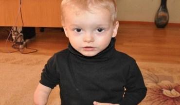 Συγκλονίζει ο μικρός που εγκατέλειψαν οι γονείς του επειδή γεννήθηκε χωρίς χέρι