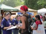 Ravens fans sign a letter to Maryland legislators demanding clean energy.