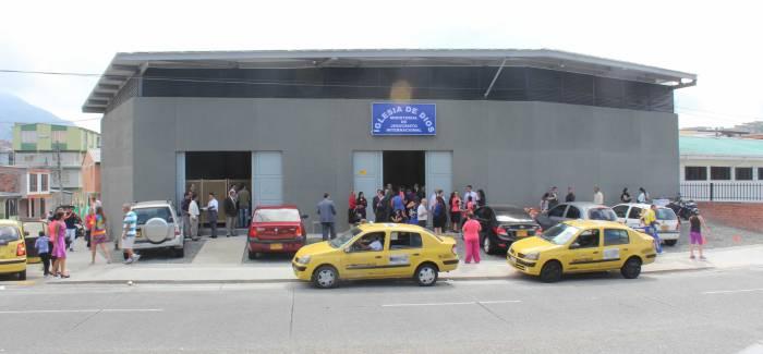 Inauguración iglesia en Pereira – Los Lotes