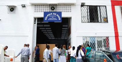 Fotos de la inauguración de la quinta Iglesia en Palmira, Valle (Colombia) La 42, Barrio Llanogrande