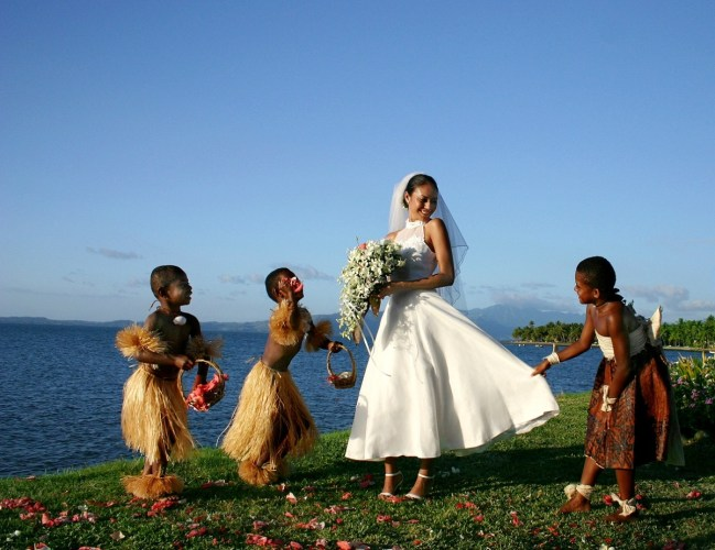 KIds_play_with_bride_SheratonChapel (1)