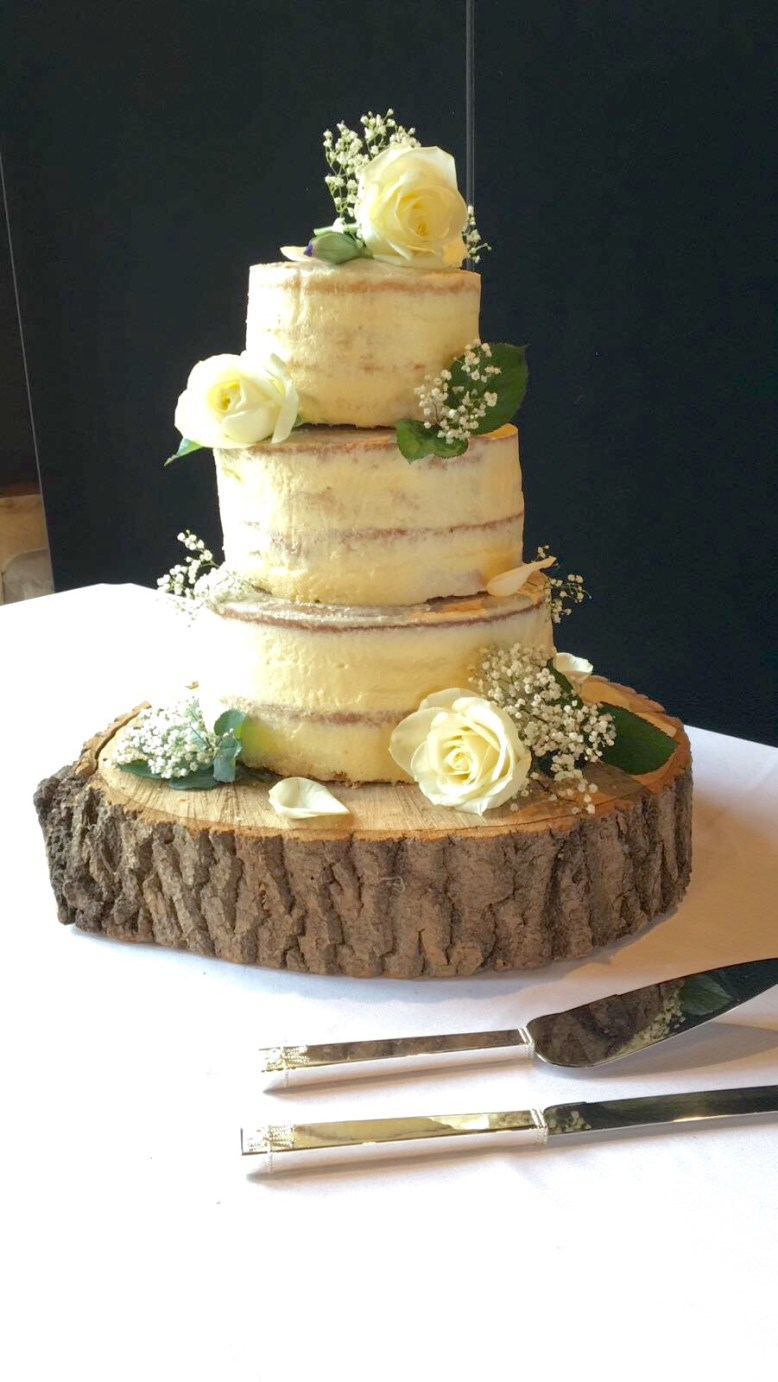 Log for wedding cake for rustic barn wedding inspiration