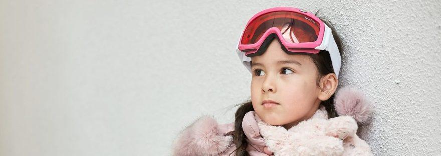Girl wearing Idol Eyes Australia ski goggles